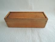 Antiek domino spel in een beukenhouten kistje